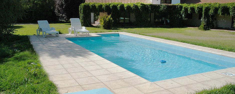 Gu a para pintar tu piscina de todo agua for Piletas minimalistas
